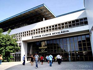 Fórum Clóvis Beviláqua, em Fortaleza, onde funcionam 107 varas. (Foto: Irailton Menezes/Divulgação TJ-CE)