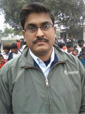 O professor Parijat Saha (Foto: AP)
