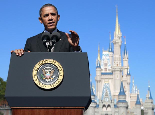 O presidente Barack Obama no seu discurso sobre turismo, nesta quinta (19), durante visita à Disney World, na Flórida  (Foto: Haraz N. Ghanbari / AP)