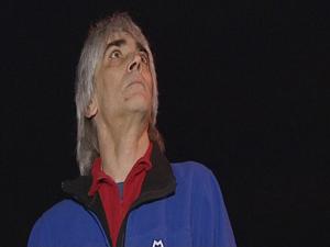 Chris Holmes, o astrônomo amador que desvendou novo planeta. (Foto: BBC)