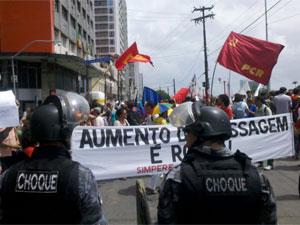 Estudantes protestam contra aumento de passagem (Foto: Kety Marinho/TV Globo)