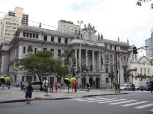 Vários escritores passaram pela Faculdade de Direito (Foto: Clara Velasco/G1)