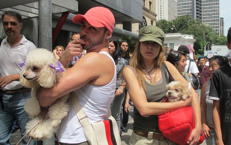 Manifestantes levaram cachorros para protesto em São Paulo