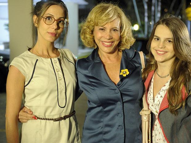Bianca interpreta Carolina em 'Fina estampa', filha de Letícia (Tânia Khalil) e neta de Vilma (Arlete Salles) (Foto: Renato Rocha Miranda/TV Globo)
