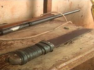 Homem é morto com espingarda artesanal e facão em Rio Verde (GO) (Foto: Reprodução/TV Anhanguera)