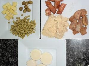 Opções de ingrediente para o empadão goiano (Foto: Humberta Carvalho/G1)