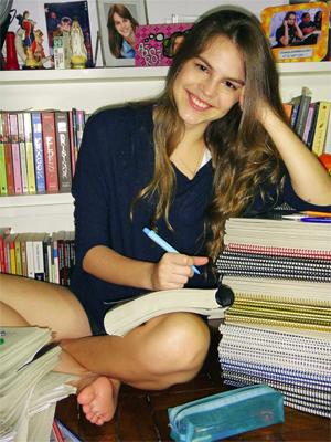 A atriz Bianca Salgueiro passou na UFRJ, Uerj e PUC-Rio (Foto: Arquivo pessoal)