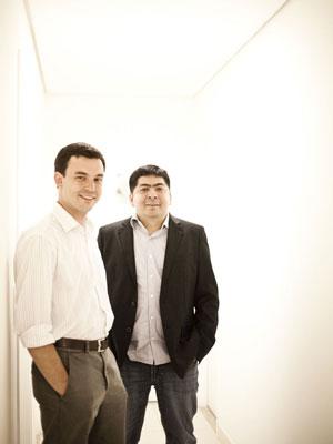 Os sócios Daniel Avizu e Hélio Freitas (da esq. para dir.), da Zoemob; eles conseguiram um 'anjo' no ano passado (Foto: Divulgação)