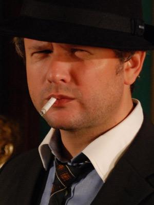 Selton satiriza personagens de filmes de Hollywood (Foto: Divulgação)