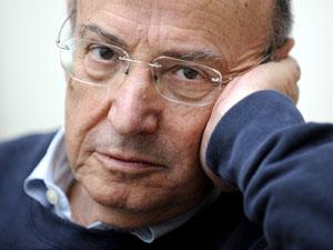 Cineasta grego Theo Angelopoulos (Foto: Volker Hartmann/AFP)