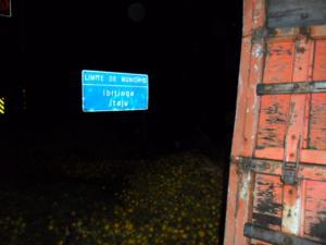 O acidente aconteceu entre Itatinga e Itaju. (Foto: Divulgação/Tv Tem)