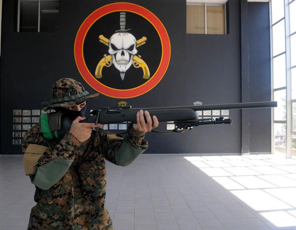 Nova farda camuflada deve chegar ao batalhão em julho (Foto: André Durão/G1)