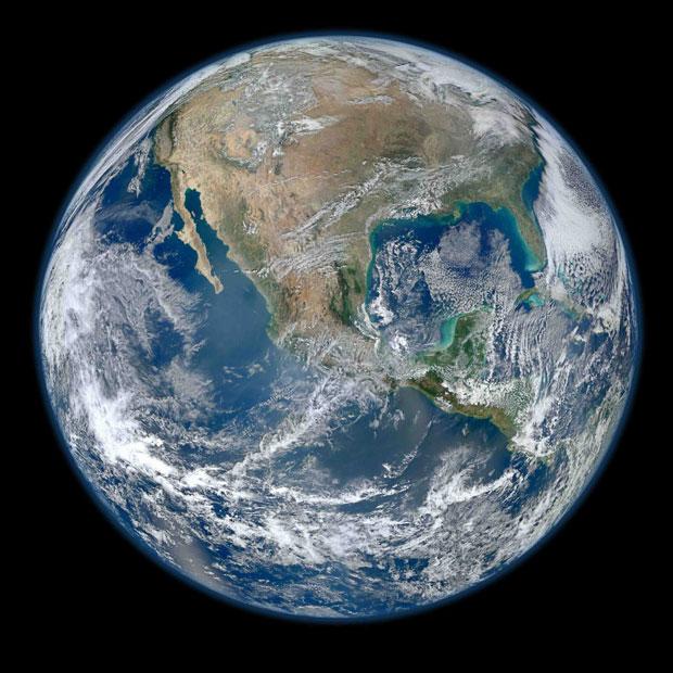 A 'Blue Marble 2012' é, segundo a Nasa, a 'mais incrível imagem em alta resolução da Terra' (Foto: NASA/NOAA/GSFC/Suomi NPP/VIIRS/Norman Kuring)