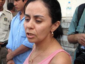 Francisca Eugênia diz não ter esperanças de encontrar prima desaparecida com vida (Foto: Lívia Torres/G1)