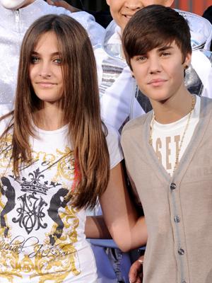 Paris Jackson, filha de Michael Jackson, ao lado de Justin Bieber (Foto: Kevin Winter/AFP)