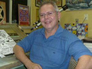 O desenhista Al Rio é conhecido trabalhos em grandes editoras, como Marvel e DC Comics (Foto: Al Rio/Arquivo Pessoal)