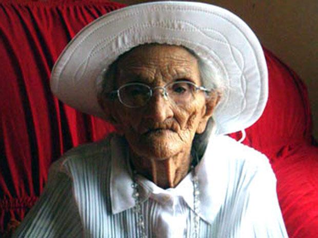 Ex-cangaceira Aristéia Soares de Lima, 98 anos, morreu após ficar internada desde segunda-feira (Foto: Glauco Araújo/G1)