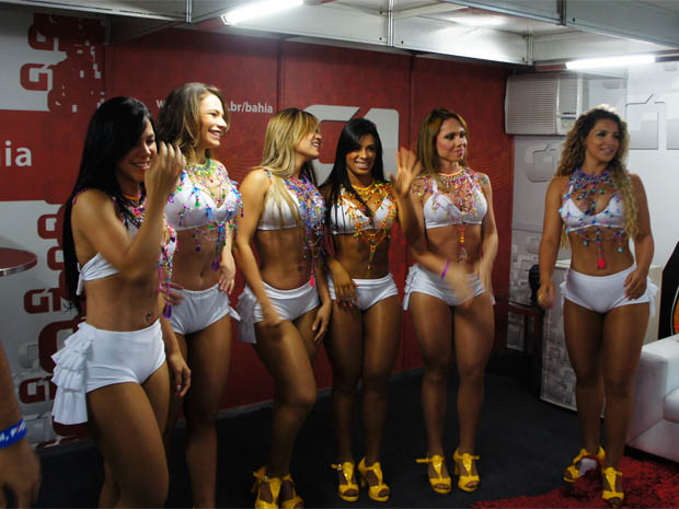 Dançarinas do Aviões do Forró no Festival de Verão 2012 (Foto: Giacomo Mancini/G1)