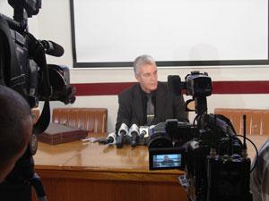 Advogado diz que presentes serão devolvidos (Foto: Renato Jakiitas/G1)