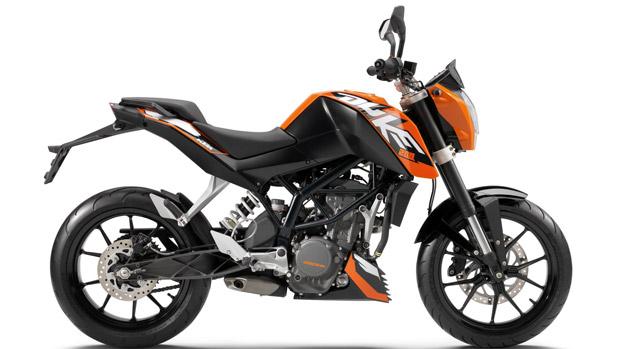 A KTM anunciou o lançamento da moto Duke 200 na Índia. Por lá, o modelo será feito pela parceira indiana, a Bajaj. A previsão é de que sejam comercializadas 20.000 unidades até o final de 2012. A Duke 200 será a primeira moto da KTM destinada ao mercado global, mais especificamente aos emergentes, o que inclui o Brasil. (Foto: Divulgação)