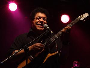 Wando durante show (Foto: Renato Luiz Ferreira/AE)