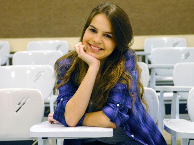 Bianca Salgueiro, na sala de aula da PUC-Rio, onde passou em engenharia química (Foto: Alexandre Durão/G1)