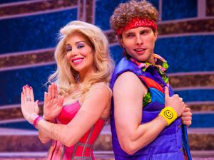 Thiago Fragoso e Daniele Winits em cena do musical  (Foto: Robert Schwenck / Divulgação)