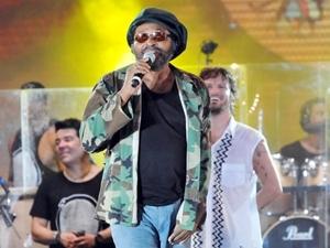 Saulo e Edson Gomes no Festival de Verão 2012 (Foto: Divulgação/Agência Edgar de Souza/Eduardo Freire)