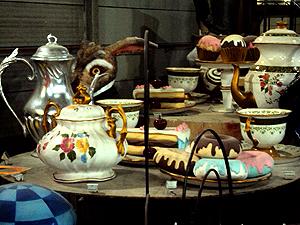 Alegoria vai trazer Alice tomando chá com a Rainha Vitória (Foto: Rodrigo Vianna / G1)