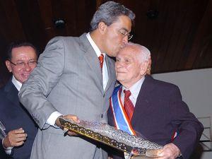 Governador Marcelo Déda e Seixas Dória durante homenagem ao ex-governador (Foto: Divulgação/Márcio Dantas (ASN))