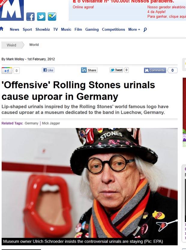 Urinóis inspirados no famoso logotipo dos Rolling Stones causaram polêmica em museu alemão. (Foto: Reprodução/Metro)