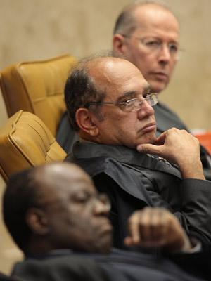 Os ministros Joaquim Barbosa, Gilmar Mendes e Celso de Mello durante julgamento  (Foto: Nelson Jr. / SCO / STF)