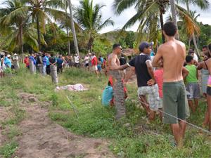 Homem foi encontrado morto na manhã desta quinta-feira (2) (Foto: Walter Paparazzo/G1)