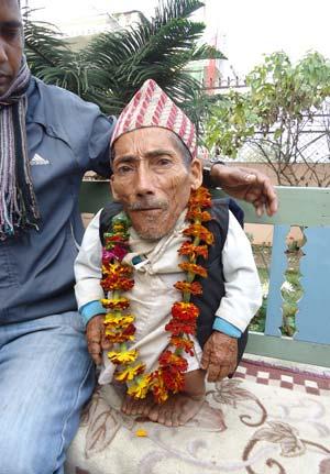 O nepalês Chandra Bahadur Dangi em 30 de janeiro (Foto: AFP)