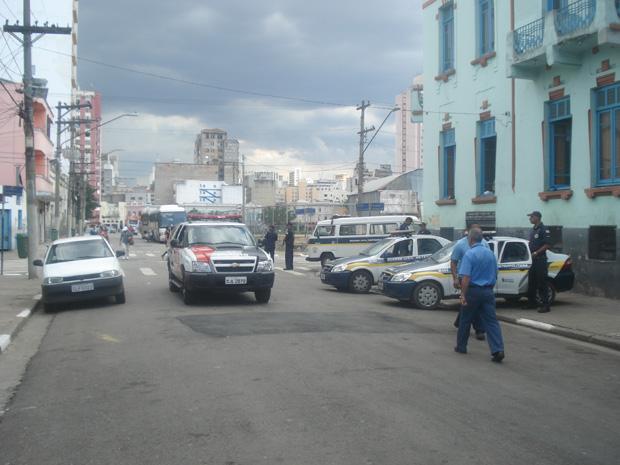 Policiamento afasta 'noias' da Rua Dino Bueno (Foto: Márcio Pinho/G1)