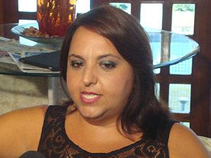 Sharon Acioly foi a João Pessoa para negociar coautoria de Ai se eu te pego (Foto: Laerte Cerqueira/G1 PB)