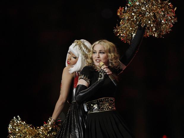 Madonna canta com Nicki Minaj no Super Bowl (Foto: AP/Charlie Riedel)