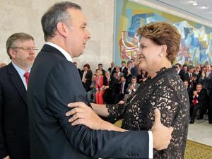 A presidente Dilma Rousseff, durante posse do novo ministro das Cidades, Aguinaldo Ribeiro, nesta segunda (9). (Foto: Roberto Stuckert Filho/PR)