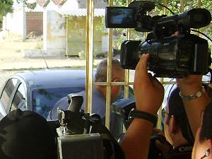 Rodrigo Pinheiro saiu da delegacia sem falar com a imprensa após indiciamento (Foto: Karoline Zilah/G1 PB)