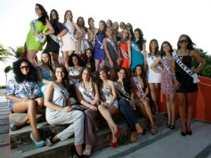 As candidatas receberam aulas de coreografia, passarela, postura e etiqueta (Foto: Rafa Euletério/Divulgação)