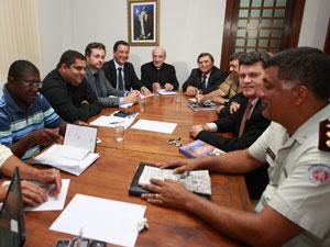 Reunião com arcebispo de Salvador (Foto: Divulgação/Secom)