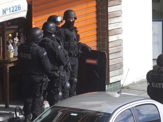 Assalto a um banco Bradesco em Porto Alegre (Foto: Alexandro Auler/AE)