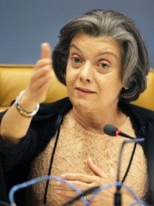 A ministra Cármen Lúcia durante julgamento da constitucionalidade da Lei Maria da Penha (Foto: Felipe Sampaio / STF)