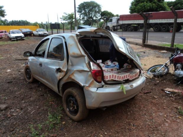 Carro apreendido (Foto: Divulgação/ Polícia Rodoviária Estadual)