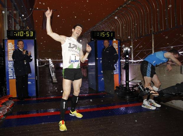 Thomas Dold completou a prova em 10 minutos e 28 segundos. (Foto: Jason DeCrow/AP)