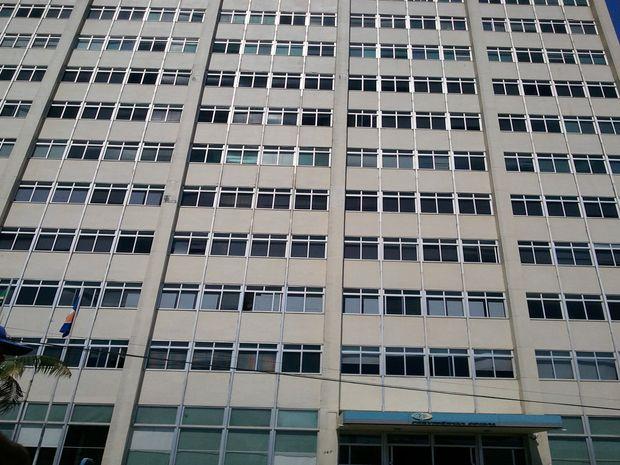 Edifício do INSS corre risco de inçêndio no centro de Aracaju (Foto: Flávio Antunes/ G1 SE)