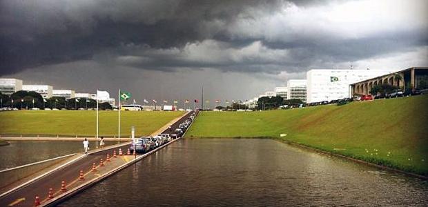 Resultado de imagem para chuva em brasilia df