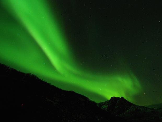 Imagem da Aurora Boreal feita no início de fevereiro por brasileiros que estavam na Noruega (Foto: Divulgação/Aurora Connection)