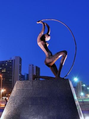 Estátua de Iracema da Praia de Iracema é um dos cartões postais de Fortaleza (Foto: Câmara Municipal/Divulgação)