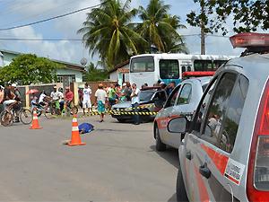 PM suspeita que pedestre estava embriagado quando foi atingido por ônibus (Foto: Walter Paparazzo/G1)